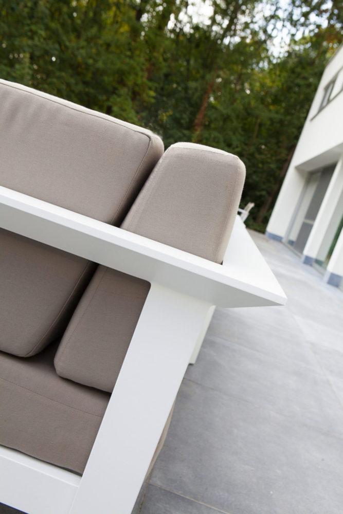 perla gray cushion aluminum detail